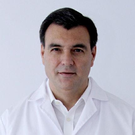 Dr._Andrés_Echazarreta_editado.jpg