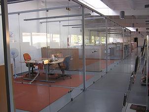 konstrukcje szklane, ściany szklane, drzwi szklane, kabiny prysznicowe, daszki szklane, balustrady szklane, grafika na szkle