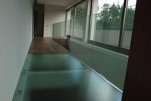 balustrada szklana, podłoga szklana, konstrukcje szklane