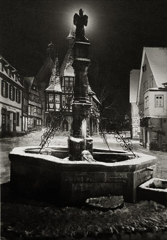 Michelstadt Martktbrunnen mit Rathaus
