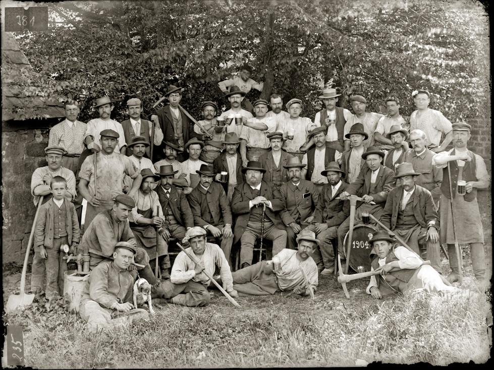 Gruppenbild Bauarbeiter in Unterneudorf