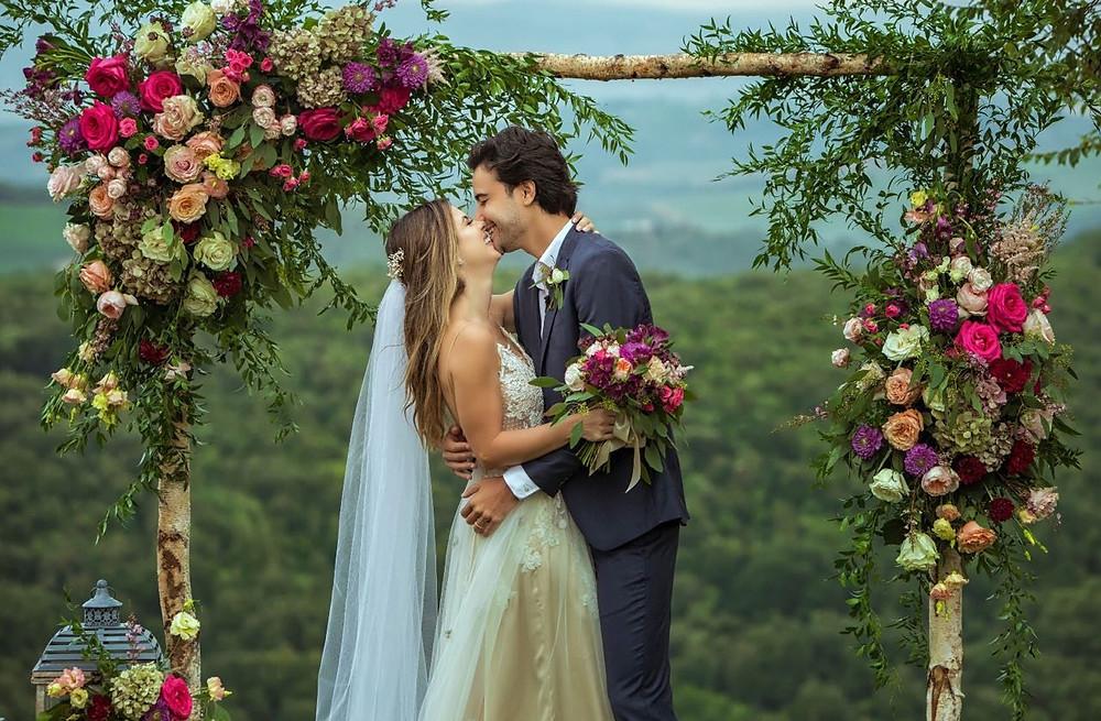 casamento intimista: Sthefany Brito e Igor Raschkovscky (Foto: Sam Sacramento)
