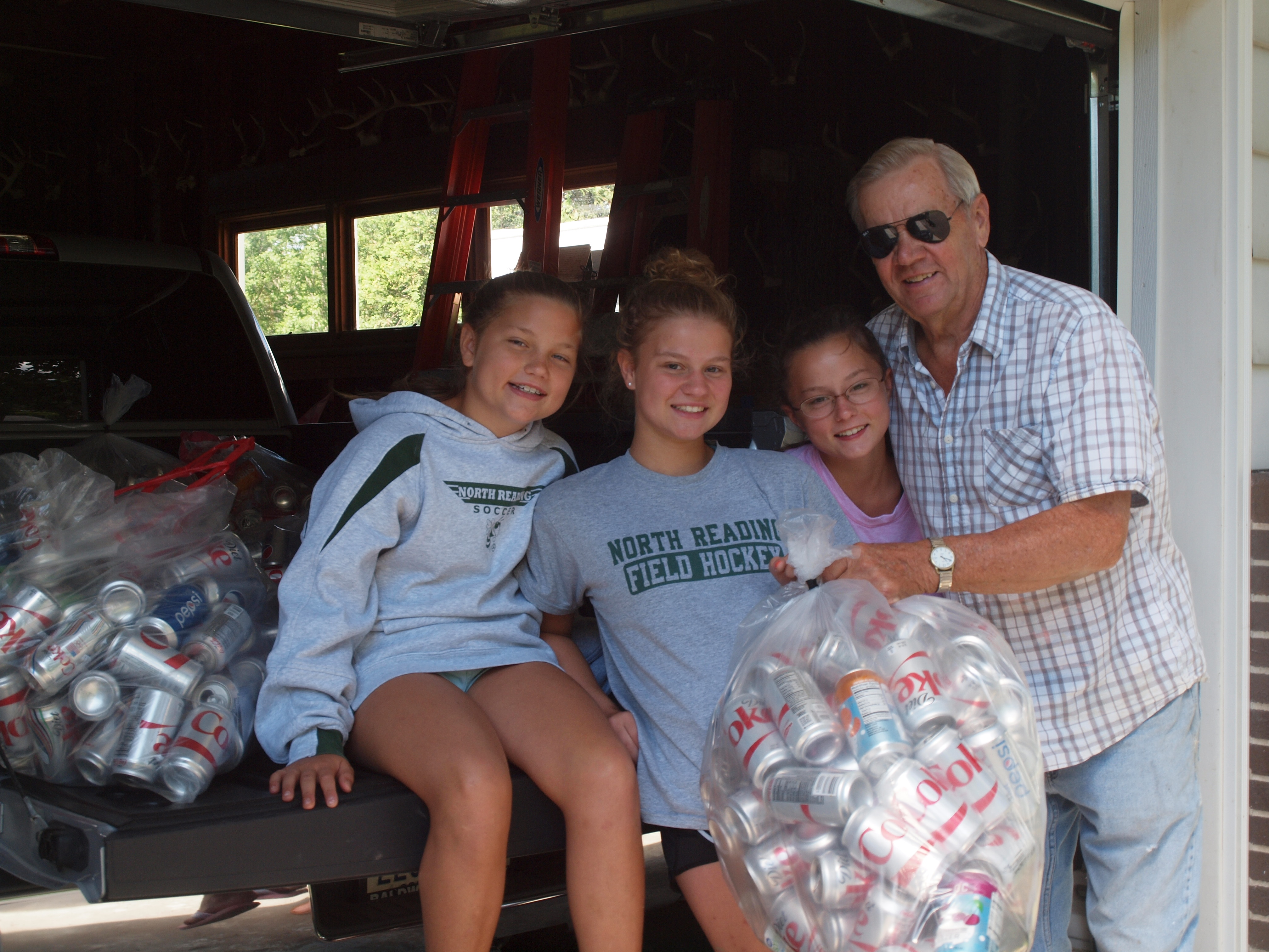 2017 - Collecting Cans with Poppy