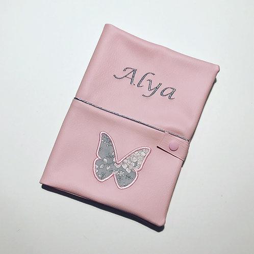 Protège carnet de santé rose papillon