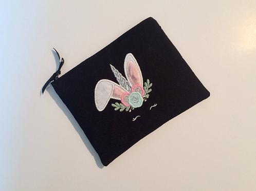Pochette noire lapin licorne