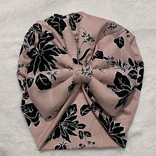Turban vieux rose et fleur noir