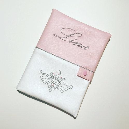 Protège carnet de santé personnalisé rose blanc argent couronne