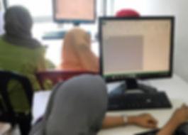 computer class a women.jpg