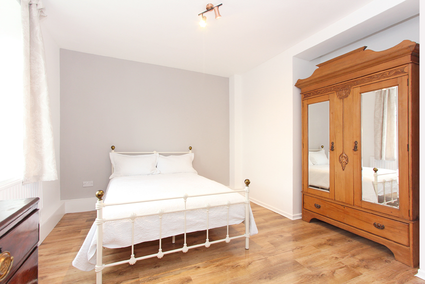 Rosemary room I
