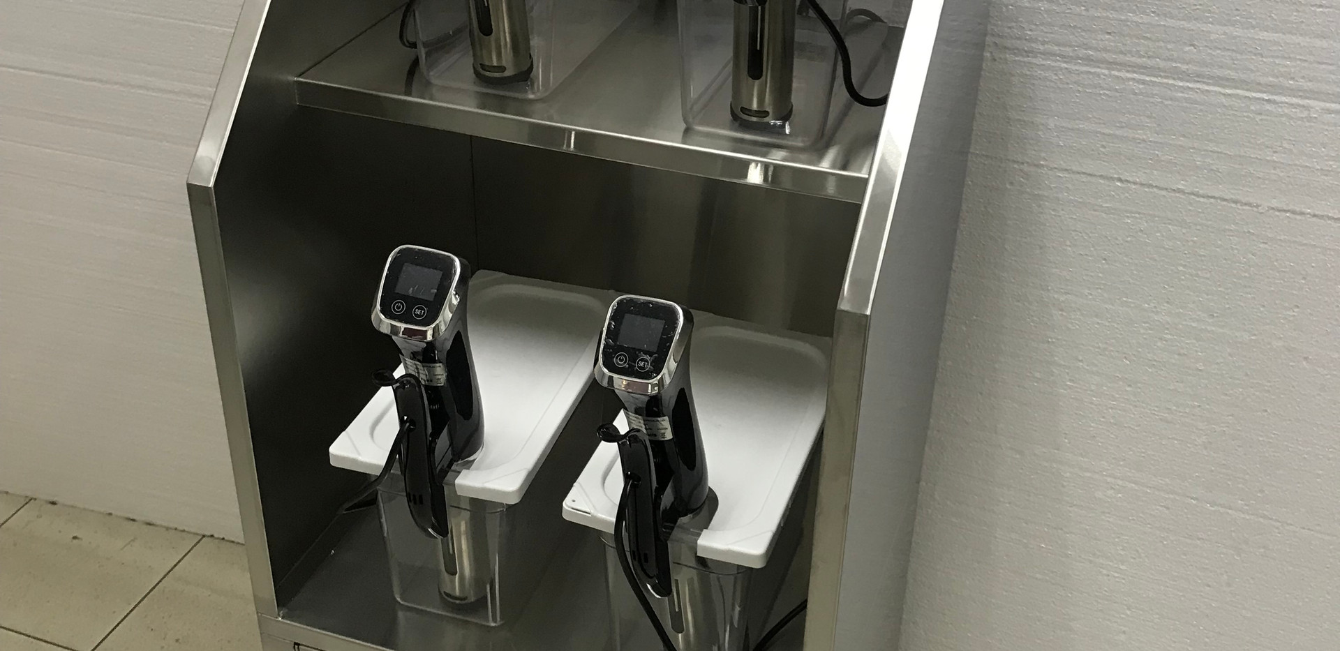 Sous Vide Machines with Rack
