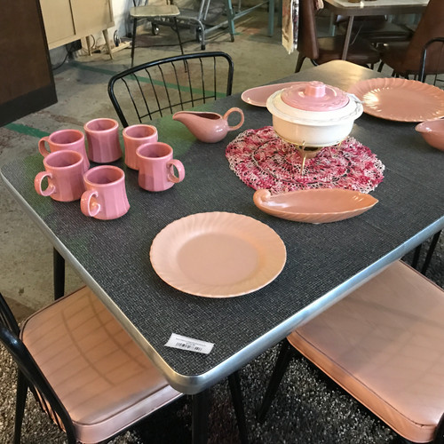 Black Formica Table W/4 Matching Chairs (Pink Cushion)