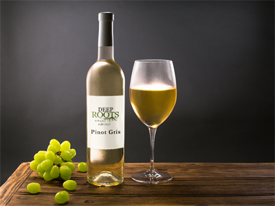 Deep Roots Wines Pinot Gris bottle