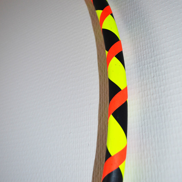 hoop noir jaune orange fluo.jpg