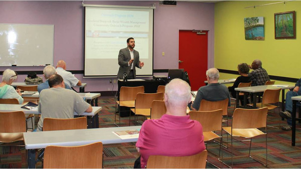 VA Workshop Success at Edgewater Library