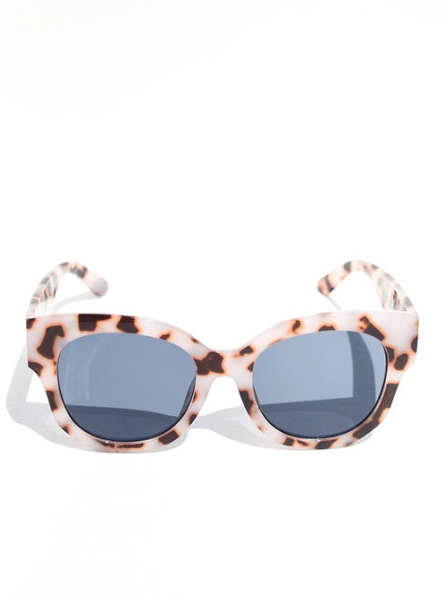 Oversized Tortoise Sunglasses- Mulberry and Grand