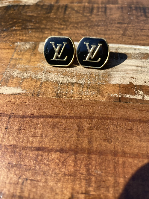 Cute as a button Designer Earrings!!