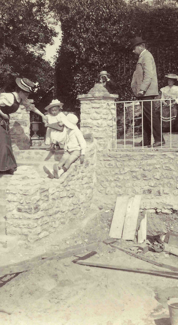 The construction of the stairs around 1907