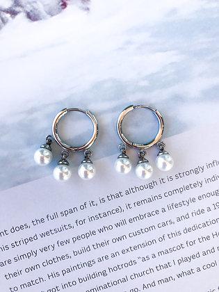 Hanging Pearls Earrings