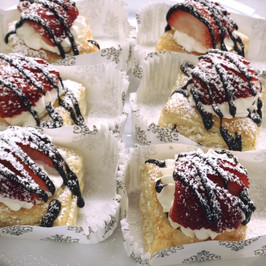 Strawberry and ganache pastry