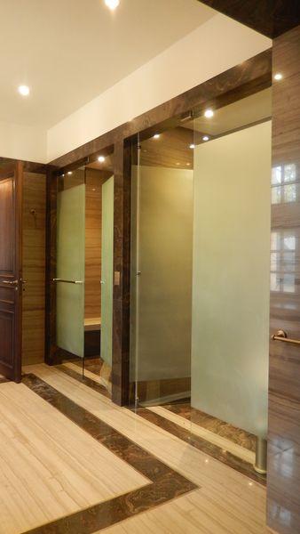 Douches avec portes sur pivot