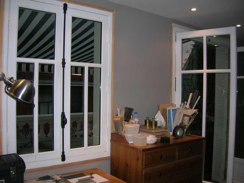 Fenêtre et porte-fenêtre en bois avec petits bois