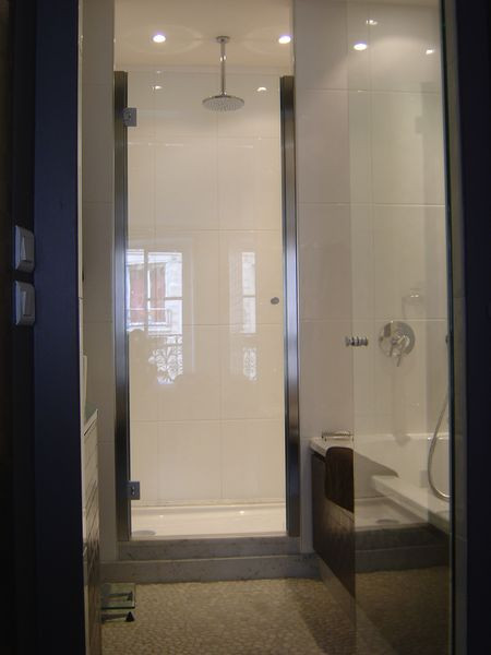 Porte de douche avec cadre