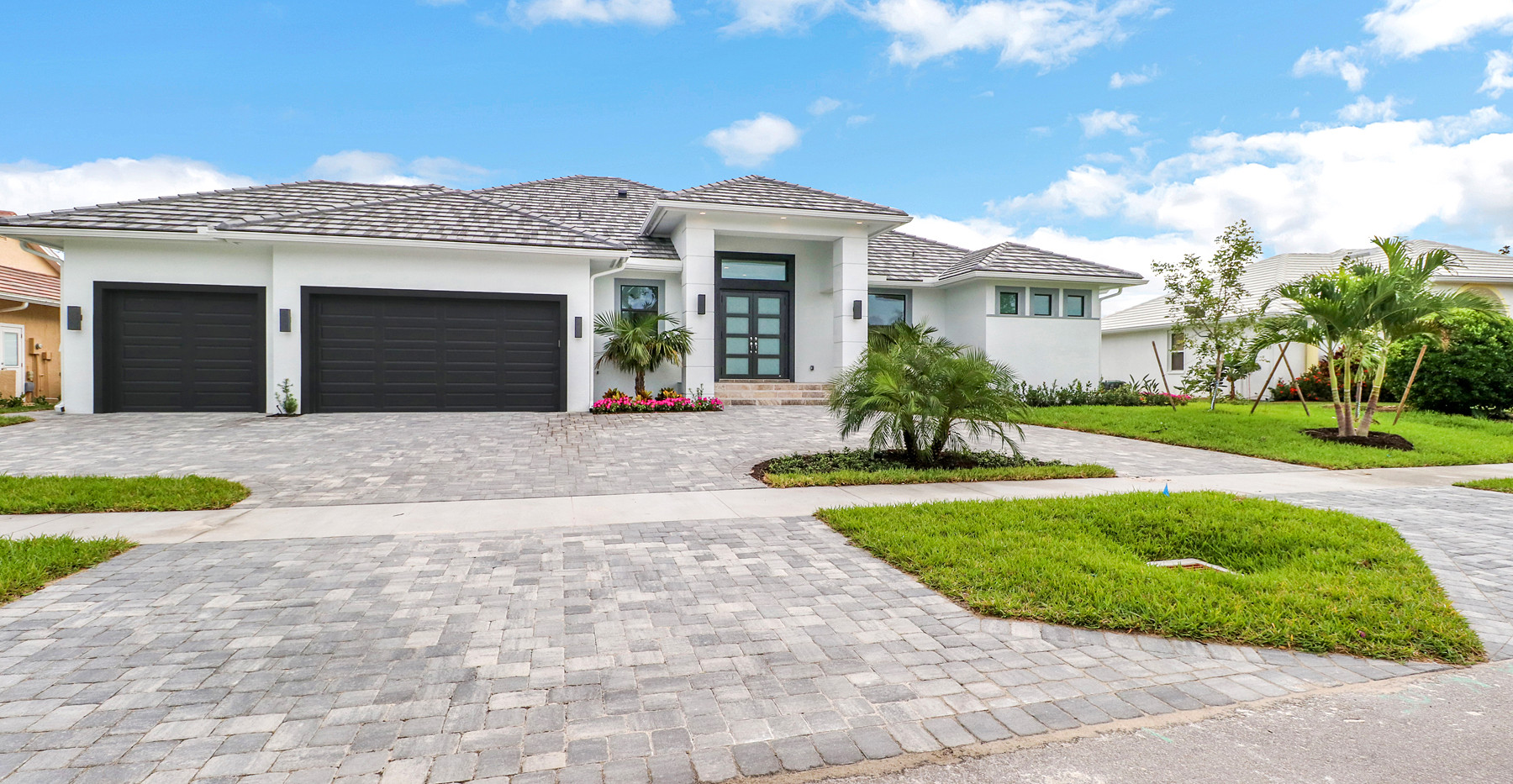 Jamaica Court home in Marco island Exterior
