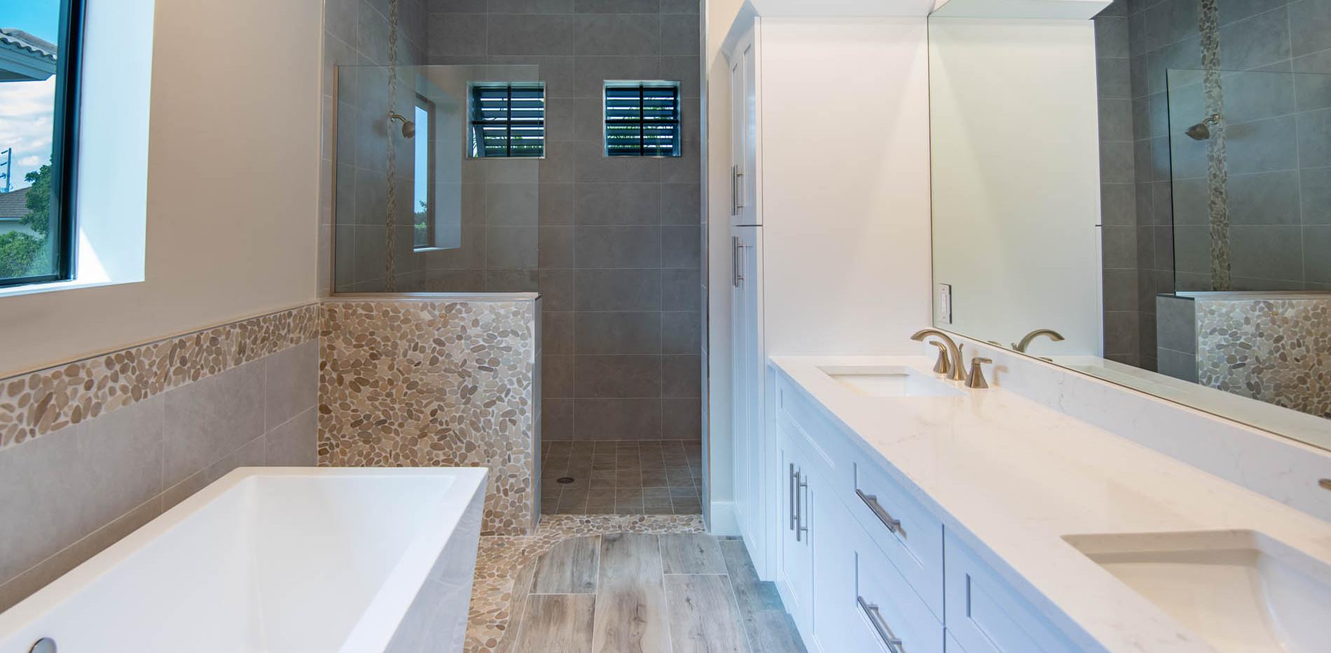 1415 Belvedere Ave Master Bath