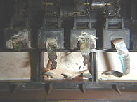 poškozené vývody fotovoltaického modulu