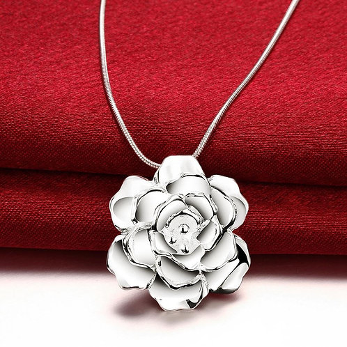 Flower Necklace in 18K White Gold Plated