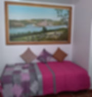 Sala de estar com 2 sofás-cama. Pintura directa de José Paulo Nobre