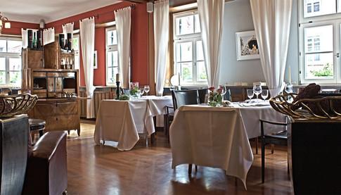 Zum Hecht Tisch1-2_HDR.jpg