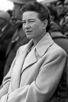 220px-Simone_de_Beauvoir_in_Beijing_1955