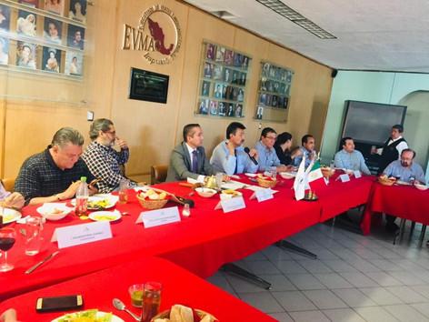 La fresa tema de mesa en EVMAC, el desliz partidista y el reproche a Diego Sinhue
