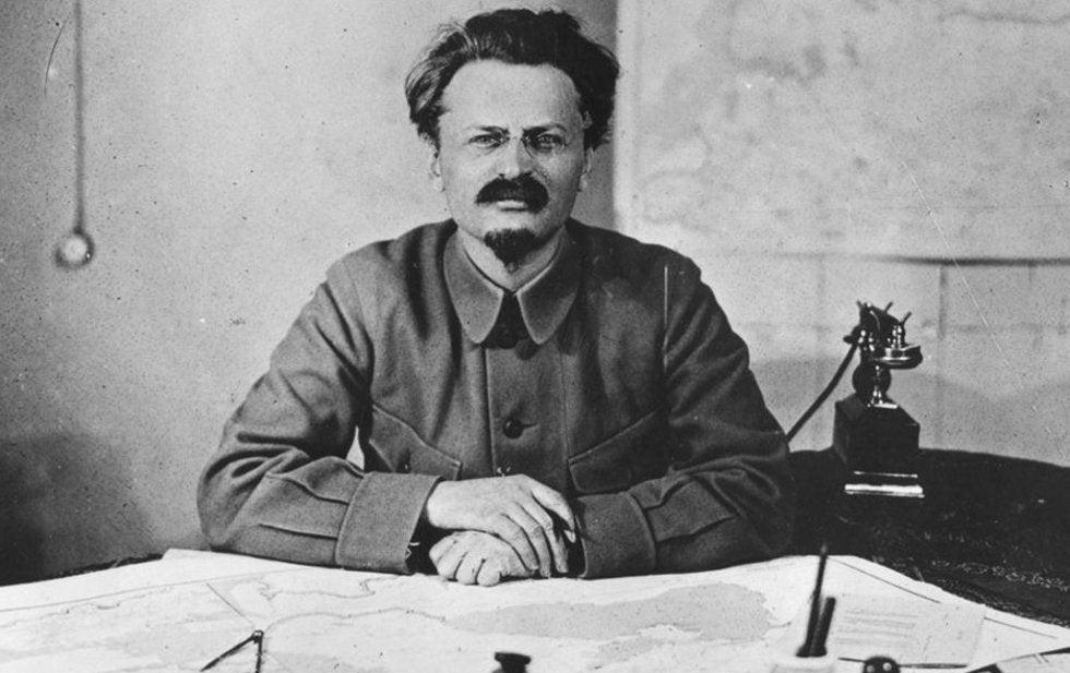 leontrotsky_1