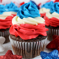 patriotic-swirl-cupcakes-main.jpg