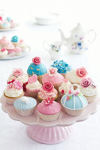 cupcakes-PDL9YTW.jpg