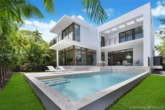 110 Venetian Way, Miami Beach, FL