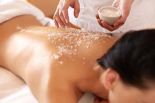 Massage du dos au sel Lutry Lavaux Institut de beauté
