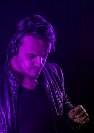 DJ purple