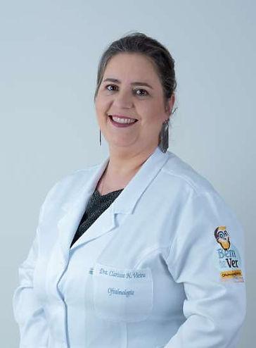 A Dra. Clarissa, oftalmologista infantil em BH, cuida de problemas como: estrabismo, ambliopia, conjuntivite, terçol, astigmatismo, miopia e hipermetropia, dentre outros.