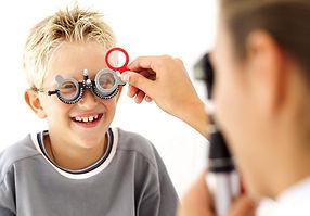 Avaliação oftalmológica pediátrica