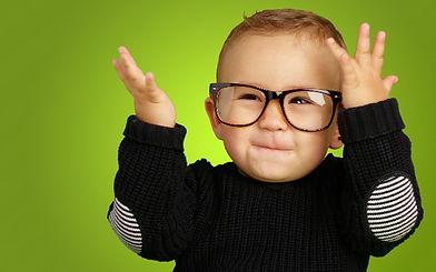 bebe-óculos_edited.jpg