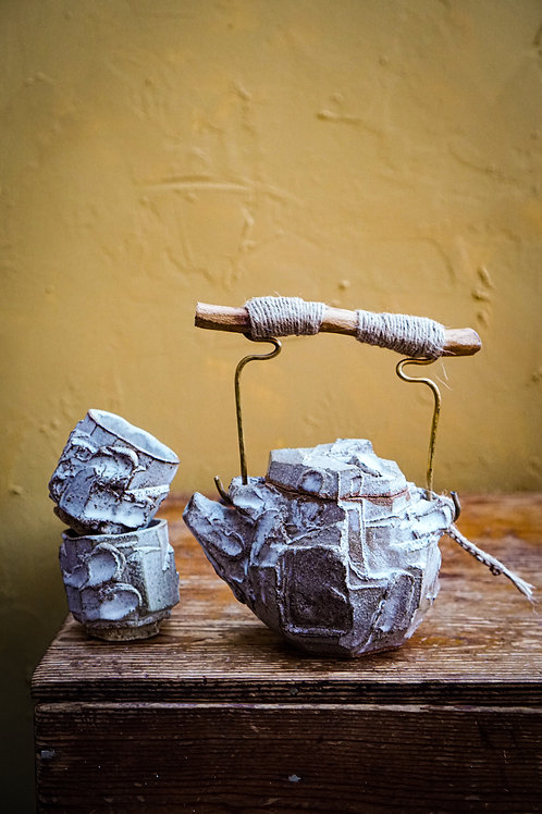Kurinuki Teapot Set in Matte White