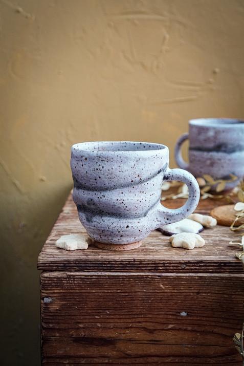 Wobble teacup