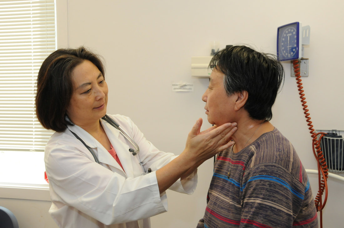 Dr. Yaoyao Zhu with patient
