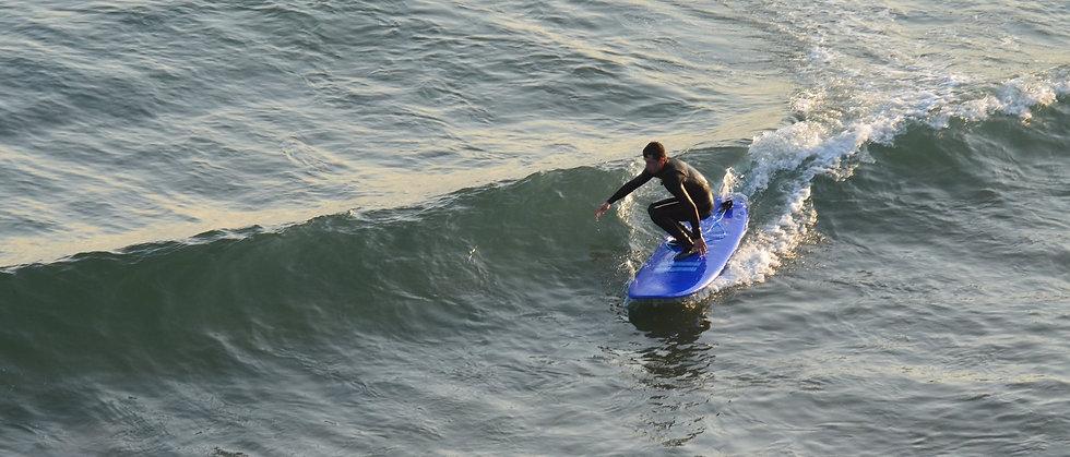 surfer%20batham%203_edited.jpg