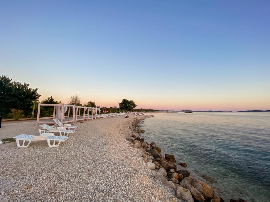 Beach in Peroj with Minor beach bar...