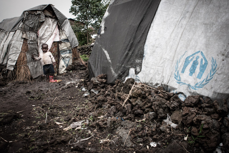 A child inside a UNHCR refugee camp in the Democratic Republic of the Congo (DRC). Many former child soldiers who have since been expelled from their communities now also live here (DRC, 2014).