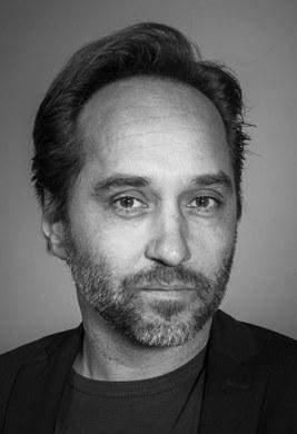 Etienne Pluss | set designer